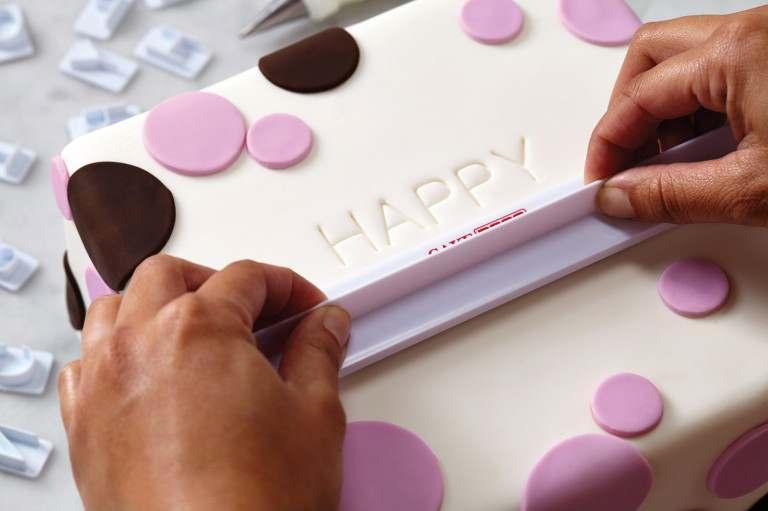Cake_Boss_Letter_and_Number_Fondant_Set_2