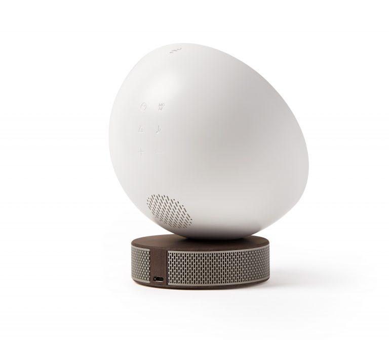 94419WD_3_Lexon_Design_Miami_Sunrise_Wake-up_Light_Alarm_Ambient_Wood